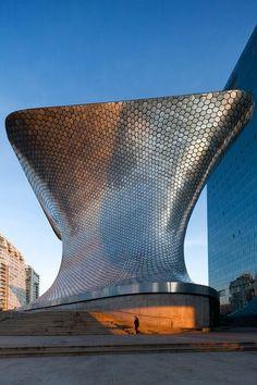Museo Soumaya, Mexico City #architecturedigest #architectsjournal #architecturaldesign design inspiration, architecture, luxury design . Visit www.memoir.pt