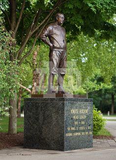 Knute Rockne Statue outside Notre Dame Stadium