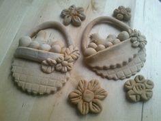 Porcelain Or China Key: 1316471221 Salt Dough Projects, Salt Dough Crafts, Clay Projects, Clay Crafts, Arts And Crafts, Christmas Clay, Dough Ornaments, Cold Porcelain, Porcelain Ceramics