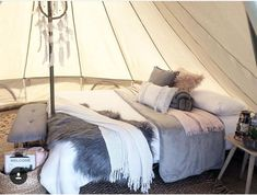 Bell Tent Glamping, Luxury Camping Tents, Camping Glamping, Yurt Interior, Bell Tent Interior Ideas, Tent Living, Tent Decorations, Cool Tents, Treehouses