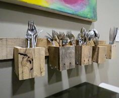 Top Pallet Projects | Pallet Wood Silverware Holder when you don't have any drawers