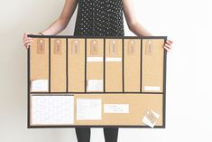 DIY un semainier universel - Organisation - Miss Blemish Diy Organisation, Organization Bullet Journal, Office Supply Organization, Planner Organization, Diy Tableau, Diy Kalender, Workspace Design, Diy Desk, Dyi