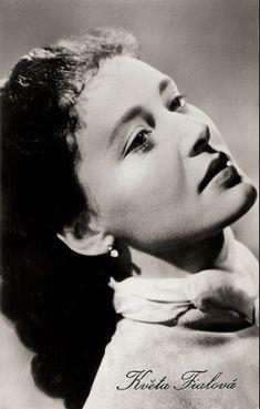Květa Fialová Past, Actresses, Retro, Celebrities, Classic, Artwork, Artists, Google, Female Actresses