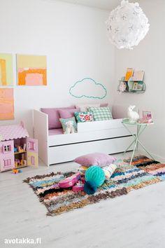 Lastenhuoneen hempeä sisustus | Avotakka 21st Century Homes, Home Decor Items, Toddler Bed, Kids Rugs, Room, Rabbit, Furniture, Girls, Design