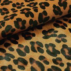 Carteras de moda y cuero para mujeres en PLUMSHOPONLINE.COM Leather and fashion womens handbags #bags #bag #moda #clutch #outfit - Cuero en animal print de Plum