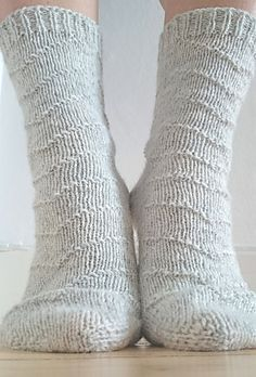 Flying North pattern by Maria Montzka. Knitting pattern available for free.