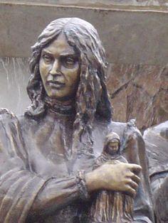 Monumento aos Bandeirantes, instalado no acesso ao Centro Histórico de Santana de Parnaíba SP - Susana Dias