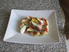 Figues oeuf fromage ricotta et jambon cru Gino D'Aquino