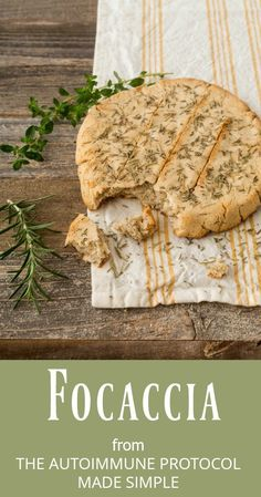 Rosemary and Thyme Focaccia (AIP) Rosmarin und Thymian Focaccia aus dem Autoimmunprotokoll leicht gemacht Autoimmun Paleo, Paleo Bread, Paleo Recipes, Bread Baking, Paleo Meals, Paleo Food, Paleo Autoimmune Protocol, Aip Diet, Paleo Breakfast
