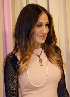 Sarah Jessica Parker effortlessly styles her Mikimoto Akoya cultured pearl strand with yet another ensemble.