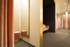 Sherylleysner   Interior Architecture & Project Management   De Bijenkorf   Amsterdam   Ladies fitting rooms   Retail   Contemporary   Pink velvet curtain   Gold detail   Pink stool    Gold mirror   Black niche  