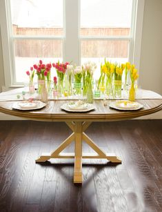 Prepare your Easter Table with these easy Easter Table Decorating Ideas! Find easy tips and tricks how to become the perfect Easter hostess! Diy Party, Party Ideas, Gift Ideas, Diy Confetti, Easter Table Decorations, Bunny Crafts, Easter Celebration, Gift Tags Printable, Diy Centerpieces