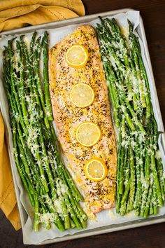 One+Pan+Roasted+Lemon+Pepper+Salmon+and+Garlic+Parmesan+Asparagus