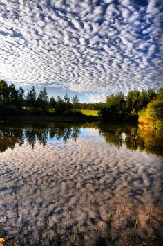 ✮ Amazing clouds reflected in a Pond in Upstate New York