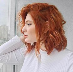 Try these fashionable hairstyles for your red hair and put on your style! Looking for a fresh, dynamic look for your short, red hair? Nobody can reach the energy. Ginger Hair Color, Red Hair Color, Ginger Hair Dyed, Cabelo Jennifer Lawrence, Redhead Hairstyles, Short Red Hairstyles, Choppy Haircuts, Korean Hairstyles, Hairstyles 2018