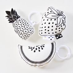 Monochrome Fruit Salad Organic Rattle Toy Set / Hand by BabeeandMe Fun Crafts For Teens, Diy For Kids, Christmas Craft Fair, Pillow Room, Batik, Fabric Toys, Craft Markets, Newborn Gifts, Kids Decor