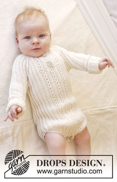 "Simply Sweet - Knitted DROPS body in rib, worked top down in ""Baby Merino"". - Free pattern by DROPS Design Baby Knitting Patterns, Knitting For Kids, Knitting For Beginners, Baby Patterns, Free Knitting, Drops Design, Brei Baby, Crochet Baby, Knit Crochet"