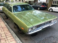 '72 Plymouth Satellite Wagon Plymouth Satellite, Fuel Injection, Station Wagon, Old Cars, Vehicles, Awesome, Car, Vehicle, Tools