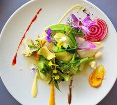 Michel-Bras-La-Gargouillou-de-jeunes-légumes-graines-et-herbes-lait-de-poul-à-la-noisette.