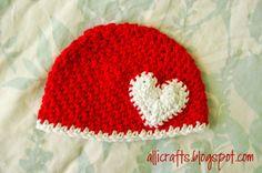 Newborn #crochet heart hat free pattern from Alli Crafts