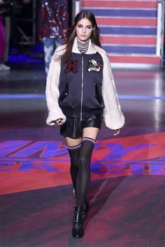 See the complete Tommy Hilfiger Fall 2017 Ready-to-Wear collection.