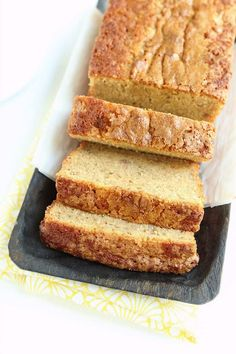 Definitely the World's BEST banana bread - sweet, moist, and with plenty of ripe banana flavor. Classic comfort food perfect for breakfast or dessert. Good Healthy Recipes, Real Food Recipes, Yummy Food, Top Recipes, Delicious Recipes, Family Recipes, Easy Recipes, Holiday Recipes, Best Banana Bread