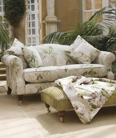 Charming and slightly formal conservatory sofa. Conservatory Lighting, Conservatory Interiors, Conservatory Furniture, Conservatory Ideas, Green Shades, Scatter Cushions, Sofas, Couch, Flooring