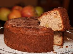 Low Fat Cinnamon Apple Cake - OrnaBakes Unbelievably moist and soooo delicious! 8 WW PP per slice. Recipe For A Happy New Year, Apple Fritters, Fall Recipes, Apple Recipes, Drink Recipes, Jewish Recipes, Apple Cake, Cinnamon Apples, Frozen Yogurt