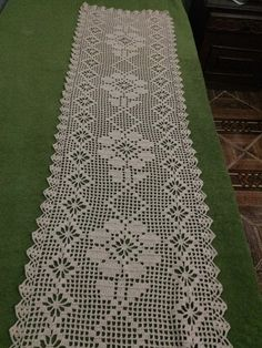 Best 9 Crochet Table Runner Lace White T - Bobcik - Diy Crafts - bobcik Crochet Table Runner Pattern, Crochet Placemats, Crochet Quilt, Crochet Doilies, Crochet Lace, Crochet Flower Patterns, Doily Patterns, Diy Crafts Crochet, Fillet Crochet