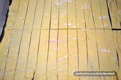 Starý recept na domácí trubičky s vanilkovým krémem mě naučila moje babička. Jsou lepší než ty kupované - Strana 2 z 2 - Receptty.cz Hardwood Floors, Flooring, Crafts, Food, Sweet, Basket, Wood Floor Tiles, Candy, Wood Flooring