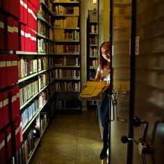 #Madrid #archivos #archivosporelmundo María Luz González, directora del Centro de Documentación y Archivo (Cedoa) El archivo de la SGAE, que contiene alrededor de 12.000 zarzuelas y 35.000 obras sinfónicas, entre otras joyas. / ALBERT JÓDAR
