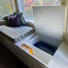 A cat litter box is not necessarily a nice thing to look at. A smart idea is to hide it somehow. Check out the cat litter box benches presented below. An aesthetic way to keep the litter box away from the sight. Bay Window Benches, Window Seat Cushions, Window Seats, Hidden Storage, Diy Storage, Storage Ideas, Playroom Storage, Secret Storage, Storage Bins