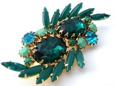 Emerald Green Rhinestone Brooch Pin Vintage