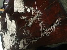 Post with 168071 views. Pallet project - string and nail world map World Map Crafts, Wooden Cable Spools, Wood World Map, Old Pallets, Garden Stones, String Art, Pallet Projects, Art World, Decoration