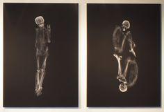 """Ayako Kanda e Mayuka Hayashi usaram uma máquina de raio-x e tomografia computadorizada para """"fotografarem"""" quatro casais."""