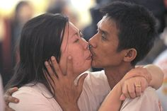 Smooches the World's Longest Kiss http://tipsycat.com/2015/07/smooches-to-the-worlds-longest-kiss/