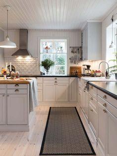 Prime luxury home layout Green Interior Design, Restaurant Interior Design, Interior Design Living Room, Modern Restaurant, Modern Farmhouse Kitchens, Cool Kitchens, Kitchen Dining, Kitchen Decor, Best Kitchen Designs