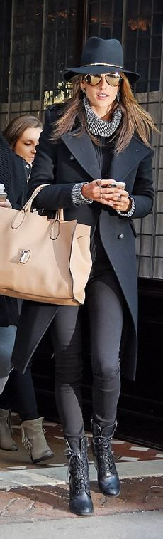 Alessandra Ambrosio makes chic sartorial statement in classy black coat and slick fedora as she steps out in New York Style Work, Style Me, Street Style, Street Chic, Alessandra Ambrosio Style, Fall Winter Outfits, Autumn Winter Fashion, Look Fashion, Womens Fashion