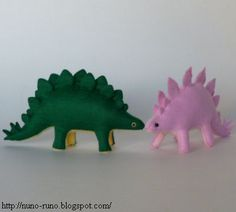 DIY Stuffed Felt Toy Stegosaurus Dinosaur - FREE Sewing Pattern and Tutorial