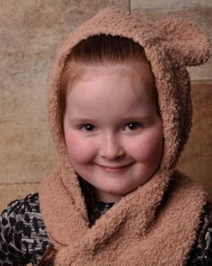 Childs Teddy Hood/scarf
