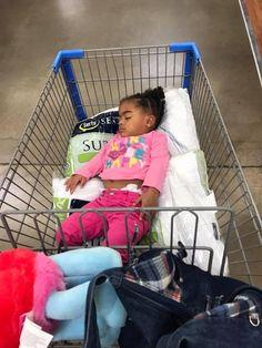 13 fotó gyerekekről, akik a legfurább helyeken alszanak – Lájk Baby Strollers, Home Appliances, Children, Baby Prams, House Appliances, Young Children, Boys, Kids, Prams