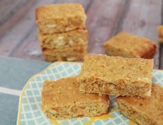 This Apricot & White Chocolate Oat Slice is hands-down my favourite slice. So simple and easy. Perfect for lunch boxes or afternoon tea! Just divine!