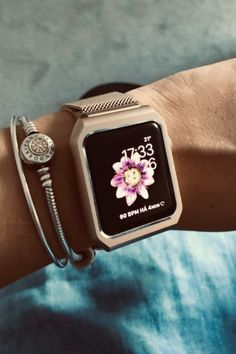 Luxury Apple bands iPhone case & fashion Applewatch Ideas of Applewatch - 5016 Wallpaper Best Apple Watch, Apple Watch Faces, Apple Watch Series 3, Apple Watch Fashion, Apple Band, Apple Watch Wallpaper, Watch Case, Cool Watches, Unusual Watches