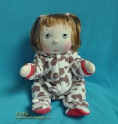 """¡ VENTA! BeBe muñeca de las mejillas de Fretta. Ojos azules, pelo rubio fresa bebé. Articuló la escultura blanda chica de 43 cm/17 """". Niño amable muñeca."""