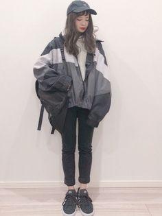 ファッション ファッション in 2020 Korean Airport Fashion, Korea Fashion, Asian Fashion, Look Fashion, Girl Fashion, Fashion Dresses, Fashion Design, Flipagram Instagram, Pretty Outfits