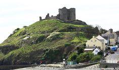 Criccieth castle, North Wales - Travel tips - Travel tour - travel ideas Welsh Castles, Castles In Wales, Castle Ruins, Castle House, Stay In A Castle, Uk Landscapes, Travel Tours, Travel Ideas, Ancient Buildings