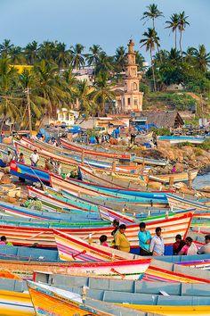 canoas en Vizhinjam, India