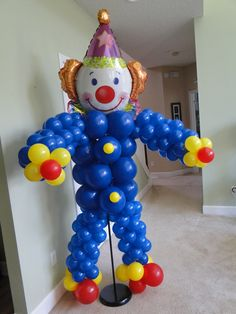 Balloon Clown sculpture