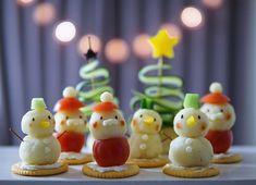 こんにちは。いよいよクリスマスが近づいてきましたね。クリスマスごはんといえばチキンやローストビーフ、ピザやお寿司などなど…ご馳走がたくさん思い浮かびますよね。今回はメイン料理ではないけれどあると食卓が楽しくなる子どもが喜ぶちょっとしたサイドメニューのオードブルの作り方をご紹介します。