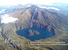 El Complejo volcánico Cotacachi-Cuicocha  se encuentra localizado en la Cordillera Occidental de los Andes Ecuatorianos a 10 km al Este de la ciudad de Cotacachi.